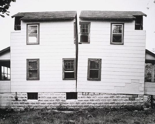 Splitting . 1974 . New Jersey Circus